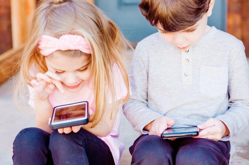 kids using phone.jpg